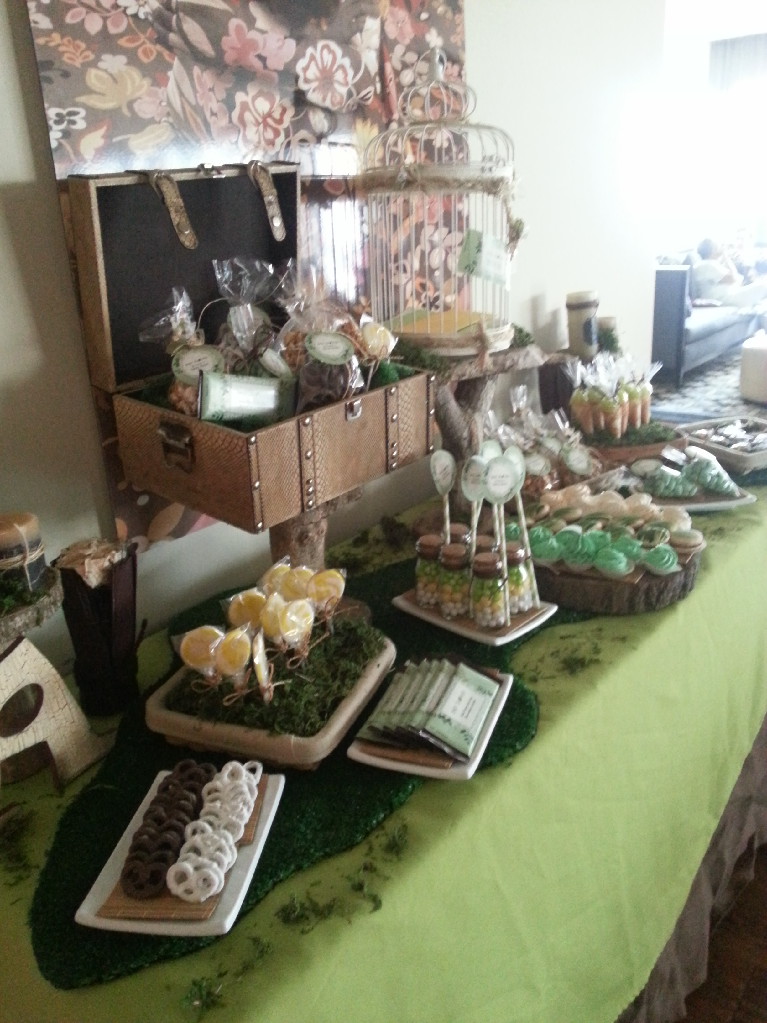 Green can be so chic my baby shower garbochic for Adornos para bares rusticos